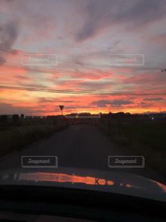 夕暮れ時の景色の写真・画像素材[1457574]