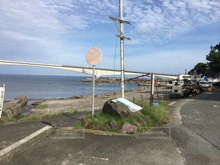 道の端にサインの写真・画像素材[772932]