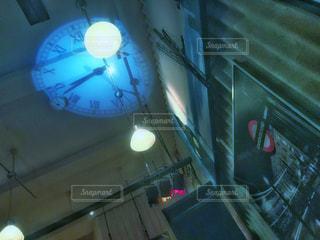青い光の部屋 - No.773192