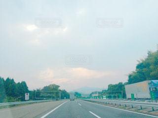 車でショートトリップの写真・画像素材[781976]