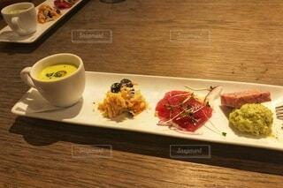 イタリアンレストランでの前菜の写真・画像素材[3677545]