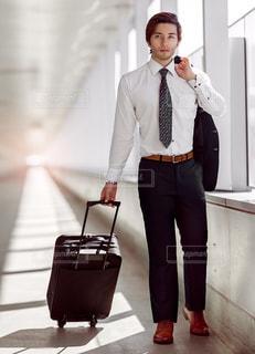 スーツの場合身に着けている男の写真・画像素材[936451]