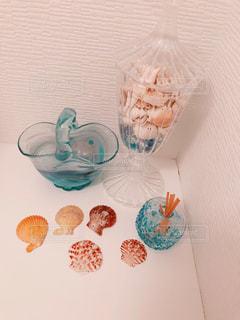 貝とガラス細工の写真・画像素材[938632]
