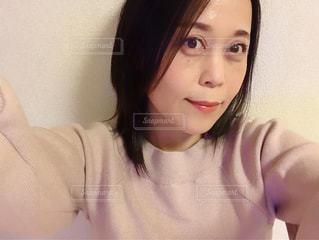 近くの女性のアップの写真・画像素材[967082]