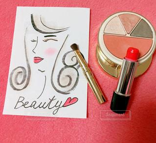化粧品と女性の写真・画像素材[991175]