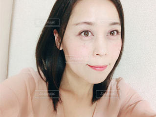 微笑む女性の写真・画像素材[1128269]