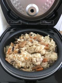 できたて炊き込みご飯の写真・画像素材[1359951]