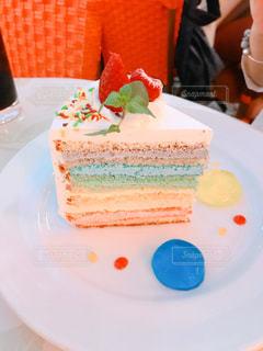 カラフルなケーキの写真・画像素材[3031823]