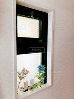 大きな鏡の眺めの写真・画像素材[3565088]