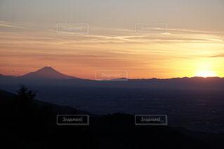 富士山と夕暮れの写真・画像素材[952883]