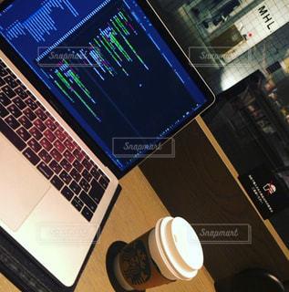 カフェで仕事の写真・画像素材[776037]