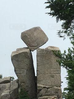 奇跡的な岩のバランス - No.776279