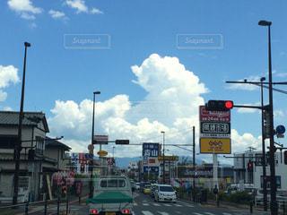 街の通りに信号機の写真・画像素材[776647]