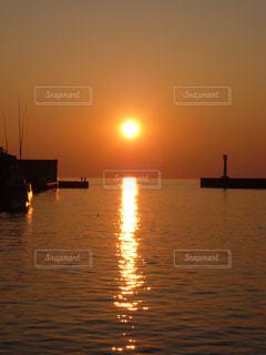 沼津港の夕日の写真・画像素材[777260]