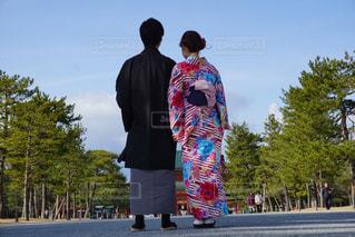 着物を着たカップルの写真・画像素材[1636164]