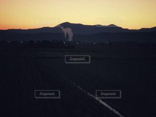 空には雲のグループの写真・画像素材[856343]