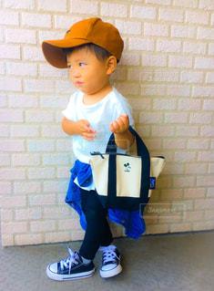 帽子をかぶった小さな男の子 - No.813032
