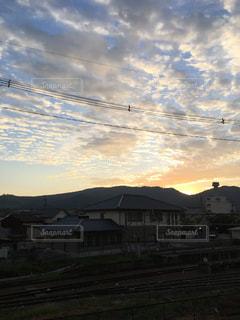空には雲のグループの写真・画像素材[779551]