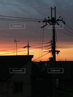 日没の前にトラフィック ライトの写真・画像素材[779552]