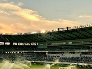 スタジアムの夕焼けの写真・画像素材[1350883]