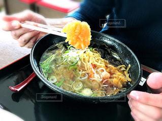 加茂水族館のクラゲラーメンを食べる人の写真・画像素材[1091260]