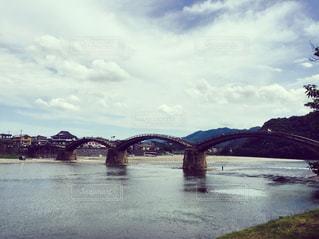 水の体の上の橋 - No.782214