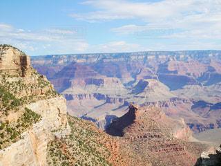 背景の山と渓谷の写真・画像素材[1505801]