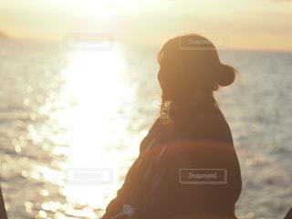 夕日と海の写真・画像素材[1020359]