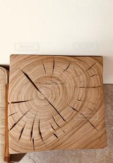 木の椅子の写真・画像素材[1042442]