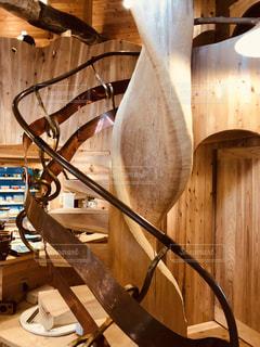 おしゃれカフェの螺旋階段の写真・画像素材[1526565]