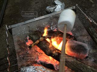火のクローズアップの写真・画像素材[3678411]