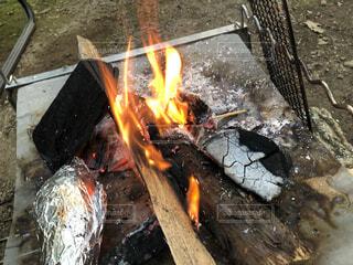 火のオーブンのクローズアップの写真・画像素材[3678416]