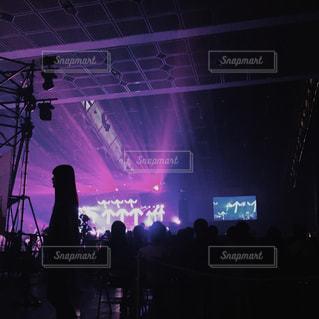 観客の前でステージ上の人のグループの写真・画像素材[786549]