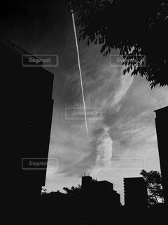 近くに空には雲の上の写真・画像素材[1204365]
