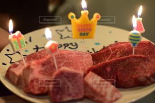 お肉でハッピーバースデイ!!の写真・画像素材[1193544]