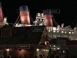 旅客船の夜の風景の写真・画像素材[932611]