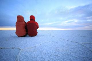 雪の中で赤い消火栓の写真・画像素材[902769]