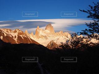 雪の覆われた山々 の景色の写真・画像素材[903483]
