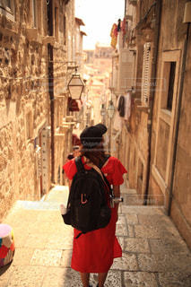 街を歩いている人の写真・画像素材[913969]