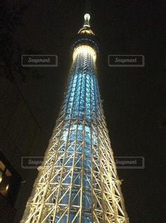 大きいタワーは夜ライトアップ - No.790885