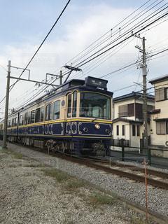 紫の江ノ電の写真・画像素材[802724]