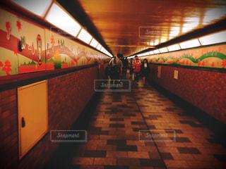 新宿の地下通路の写真・画像素材[789916]