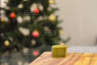 抹茶バームクーヘンとクリスマスパーティーの写真・画像素材[1681431]