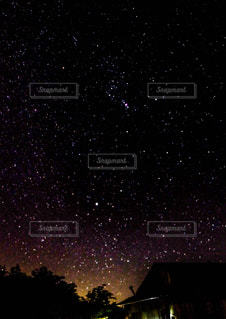澄み渡る星空の写真・画像素材[803588]