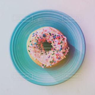皿にドーナツの写真・画像素材[791476]