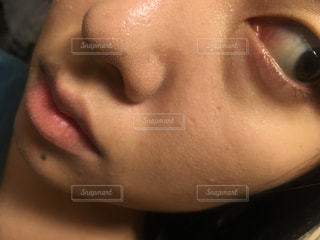 人の顔のクローズアップの写真・画像素材[2281916]