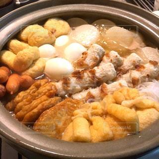 食べ物で満たされた鍋の写真・画像素材[2875613]