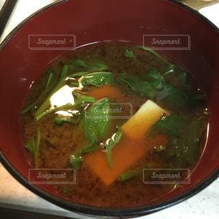 肉と野菜のスープのボウルの写真・画像素材[2876012]