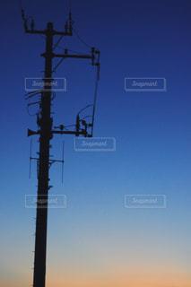 夕暮れとシルエットの写真・画像素材[868373]