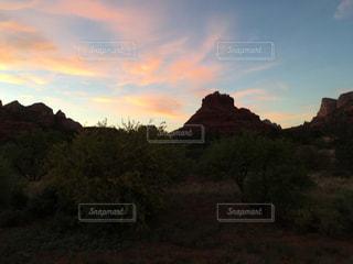夕陽とベルロックの写真・画像素材[792750]